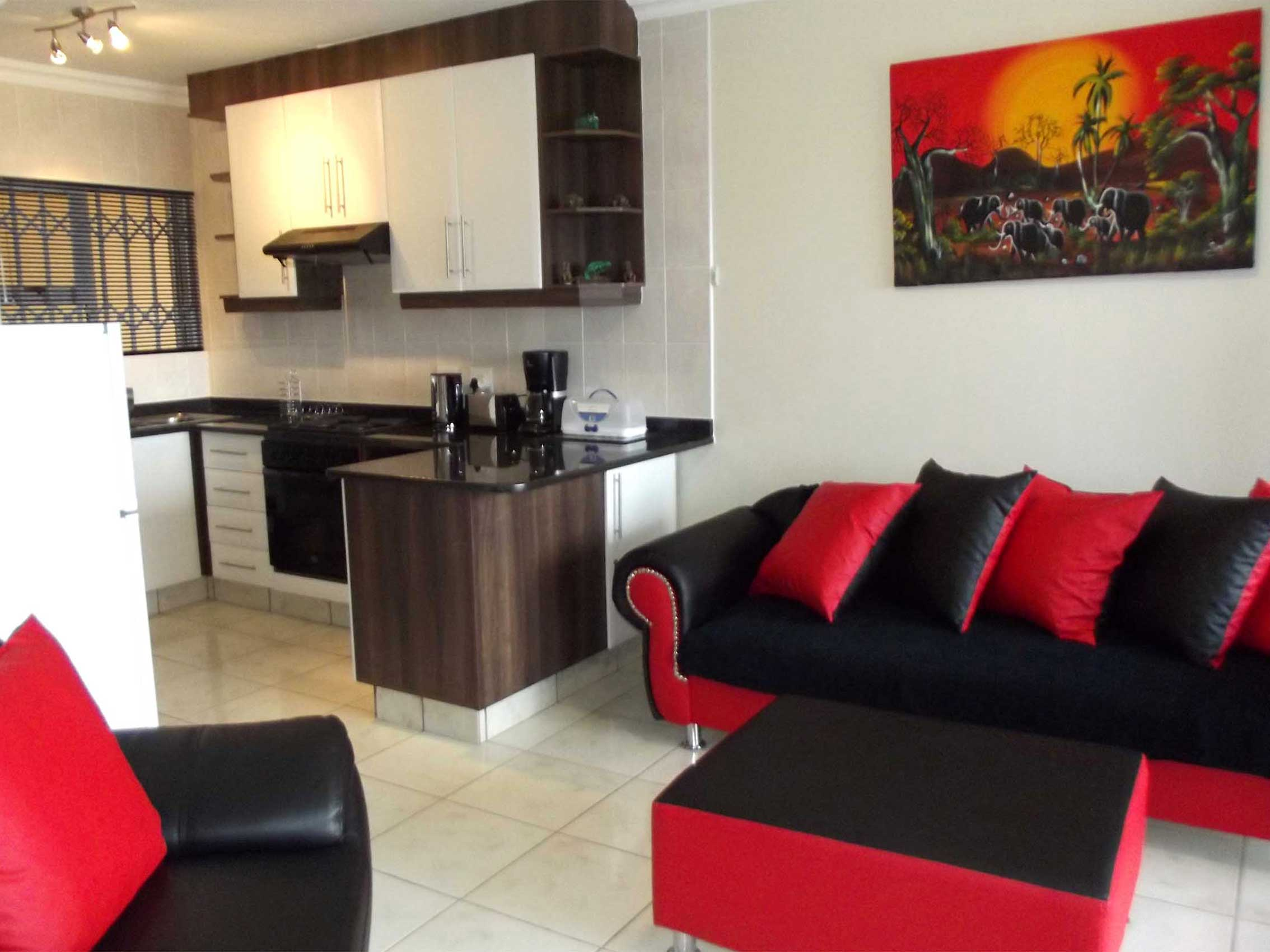 Queens View 2 - Manaba Beach - Self Catering - Accommodation - Sleeps 5